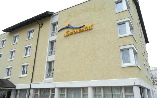 Отель Sorell Hotel Sonnental Швейцария, Дюбендорф - 1 отзыв об отеле, цены и фото номеров - забронировать отель Sorell Hotel Sonnental онлайн вид на фасад
