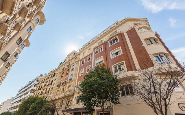 Отель Home Club Núñez de Balboa VII вид на фасад