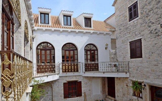 Отель Palace Derossi