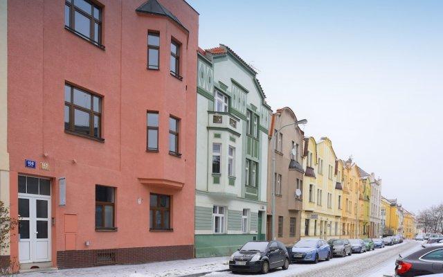 Отель Pink House Apartments Чехия, Прага - отзывы, цены и фото номеров - забронировать отель Pink House Apartments онлайн вид на фасад