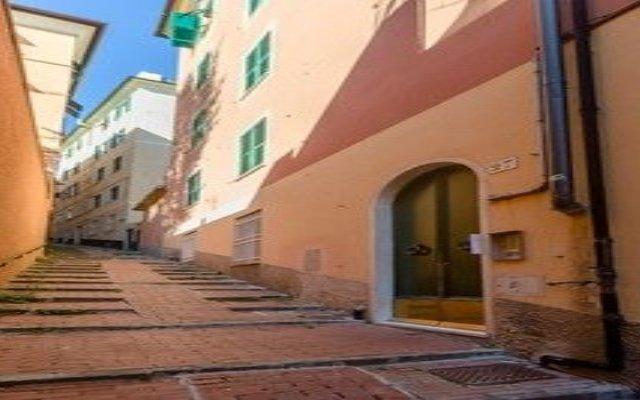 Отель Hintown Castelletto City Генуя вид на фасад