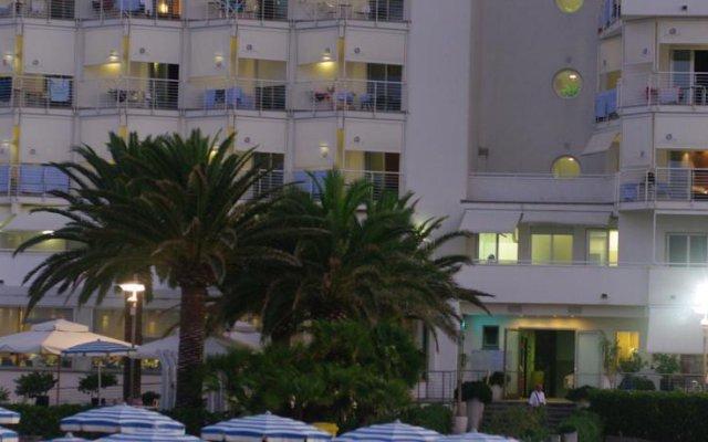 Отель Abruzzo Marina Италия, Сильви - отзывы, цены и фото номеров - забронировать отель Abruzzo Marina онлайн вид на фасад