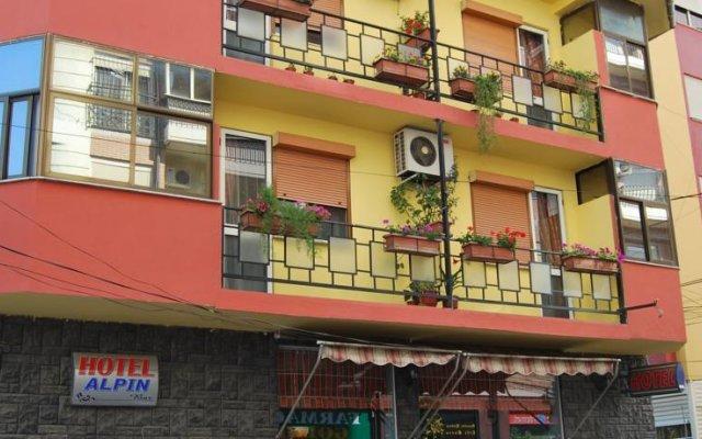 Отель Alpin Hotel Tirana Албания, Тирана - отзывы, цены и фото номеров - забронировать отель Alpin Hotel Tirana онлайн вид на фасад