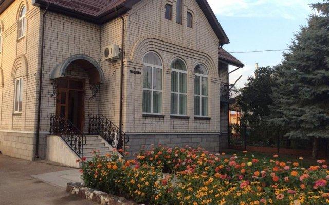 Гостевой Дом на Донской Тихорецк вид на фасад