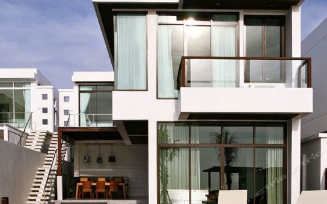 Отель X2 Hua Hin LeBayburi Pranburi Villa вид на фасад