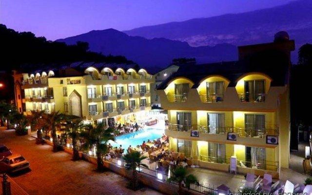 Grand Lukullus Hotel вид на фасад