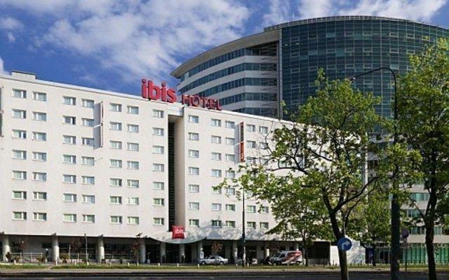 Отель Ibis Warszawa Centrum парковка