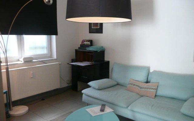 Отель B&b The Street Lodge Льеж комната для гостей