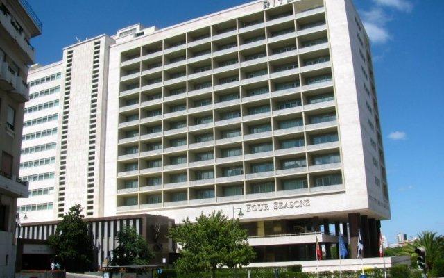 Отель Four Seasons Hotel Ritz Lisbon Португалия, Лиссабон - отзывы, цены и фото номеров - забронировать отель Four Seasons Hotel Ritz Lisbon онлайн вид на фасад