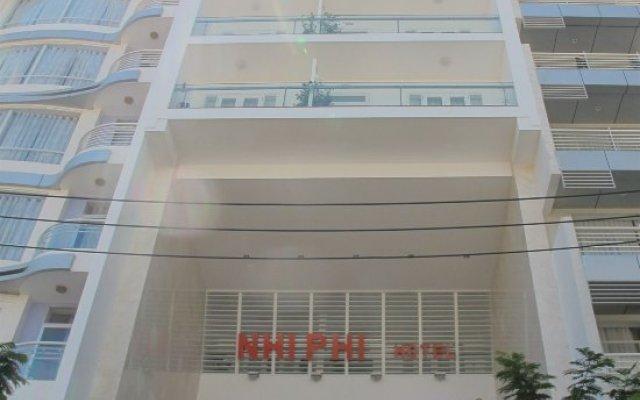 Nhi Phi Hotel вид на фасад