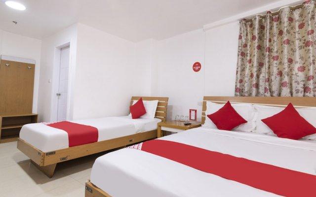 OYO 416 Lucky Hotel