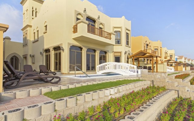 Отель Bespoke Residences-Luxury Frond A Villas вид на фасад