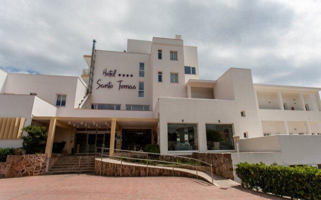 Hotel Santo Tomas Эс-Мигхорн-Гран вид на фасад