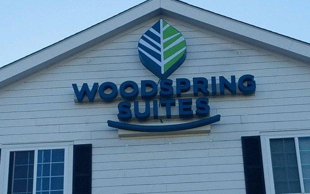 Отель Woodspring Suites Columbus Hilliard Колумбус вид на фасад