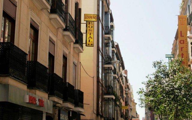 Отель Hostal Hispano вид на фасад