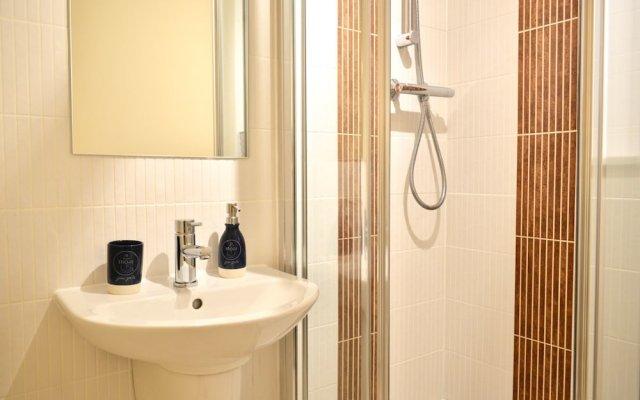 Отель Beautiful Edinburgh Flat With 2 Double Bedrooms Великобритания, Эдинбург - отзывы, цены и фото номеров - забронировать отель Beautiful Edinburgh Flat With 2 Double Bedrooms онлайн