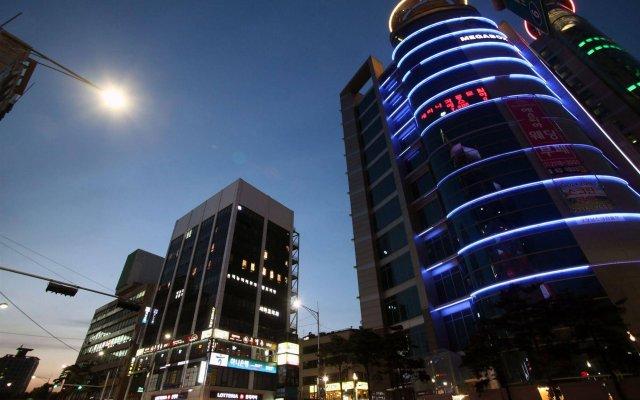 K-POP HOTEL Dongdaemun вид на фасад