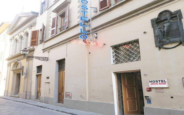 Hostel Archi Rossi вид на фасад