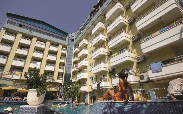 Alaiye Kleopatra Hotel вид на фасад