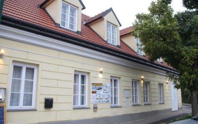 Отель Gasthaus zum Brandtner Австрия, Вена - отзывы, цены и фото номеров - забронировать отель Gasthaus zum Brandtner онлайн вид на фасад
