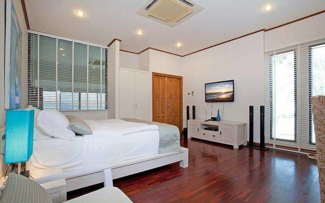 Отель Kalim Bay Villa комната для гостей
