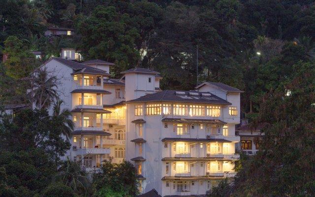 Serene Garden Hotel вид на фасад