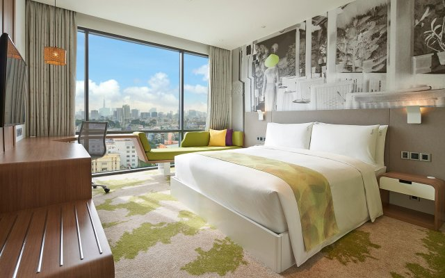 Holiday Inn & Suites Saigon Airport, an IHG Hotel