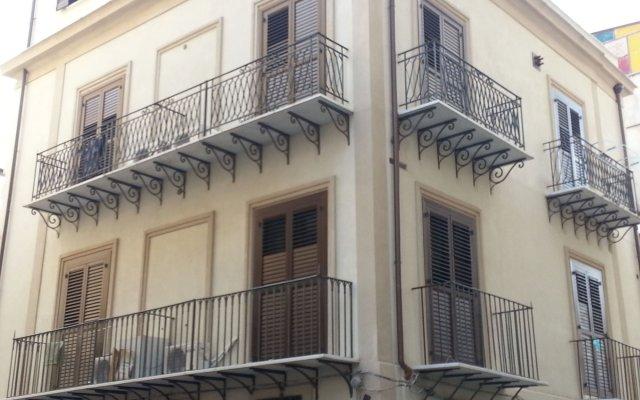 Отель La Terrazza della Nonna Италия, Палермо - отзывы, цены и фото номеров - забронировать отель La Terrazza della Nonna онлайн вид на фасад