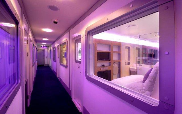 Отель YOTELAIR Amsterdam Schiphol - Transit Hotel Нидерланды, Схипхол - отзывы, цены и фото номеров - забронировать отель YOTELAIR Amsterdam Schiphol - Transit Hotel онлайн вид на фасад