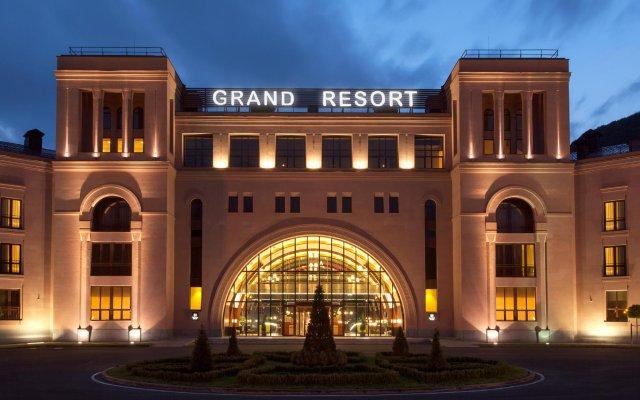Отель Grand Resort Jermuk Армения, Джермук - 2 отзыва об отеле, цены и фото номеров - забронировать отель Grand Resort Jermuk онлайн вид на фасад