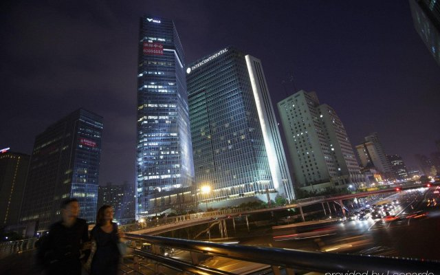 Отель InterContinental Shanghai Jing' An вид на фасад