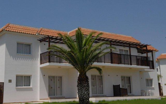 Отель Maistros Hotel Apartments Кипр, Протарас - отзывы, цены и фото номеров - забронировать отель Maistros Hotel Apartments онлайн вид на фасад