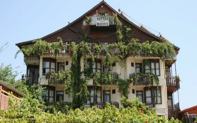 Neptun Hotel вид на фасад