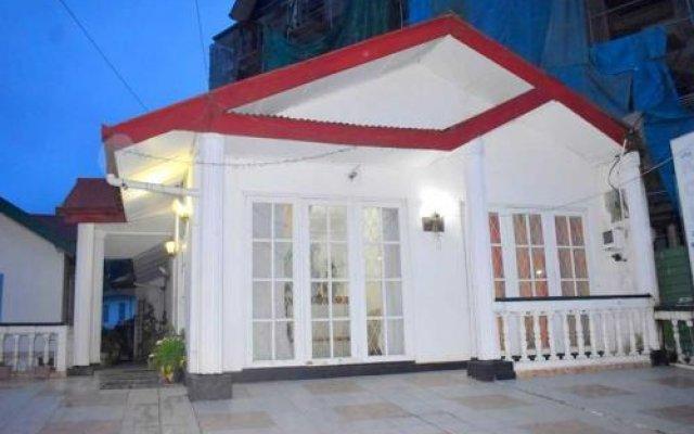 Kings Court Hotel вид на фасад
