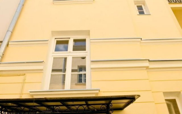 Апартаменты Attic Studio вид на фасад