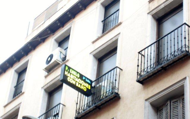 Отель Hostal Chelo Испания, Мадрид - 3 отзыва об отеле, цены и фото номеров - забронировать отель Hostal Chelo онлайн вид на фасад
