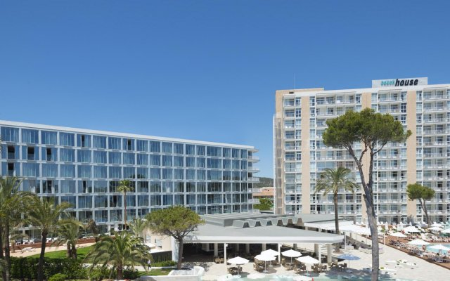 Отель Melia South Beach вид на фасад