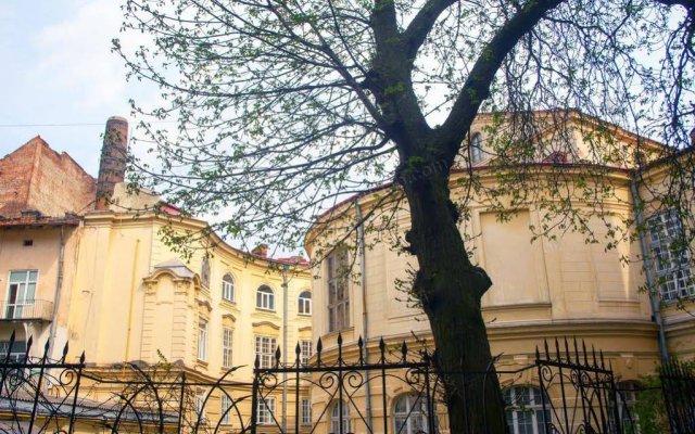 Гостиница Aparthome Opera Theatre Львов вид на фасад