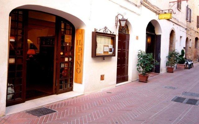 Отель Locanda Il Pino Италия, Сан-Джиминьяно - отзывы, цены и фото номеров - забронировать отель Locanda Il Pino онлайн вид на фасад