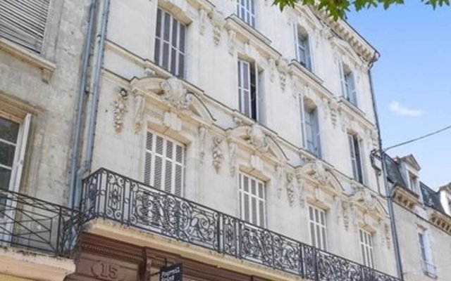 Апартаменты Apartment With 2 Bedrooms in Saumur, With Wonderful City View and Wifi Сомюр вид на фасад