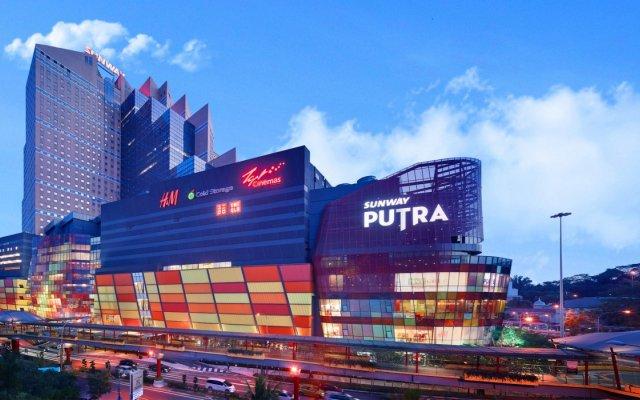 Отель Sunway Putra Hotel Малайзия, Куала-Лумпур - 2 отзыва об отеле, цены и фото номеров - забронировать отель Sunway Putra Hotel онлайн вид на фасад