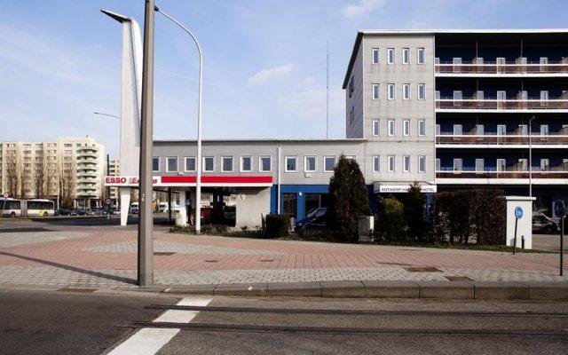 Antwerp Harbour Hotel вид на фасад