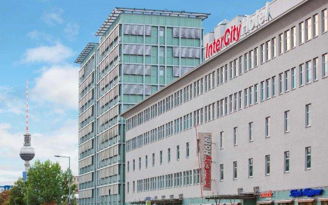 Отель IntercityHotel Berlin Ostbahnhof вид на фасад