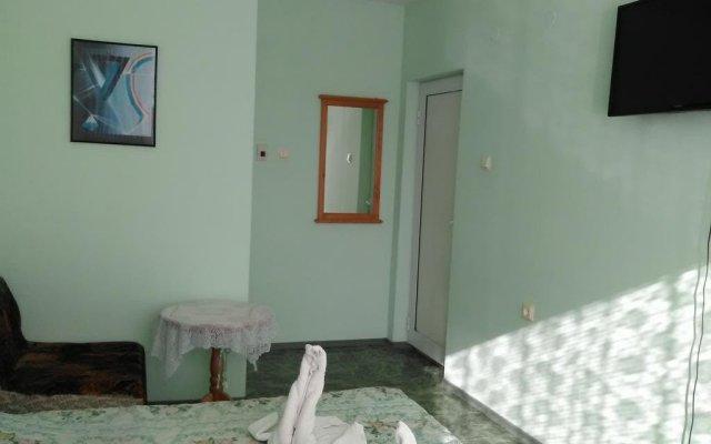 Отель Guest House Silver Pearl Балчик комната для гостей