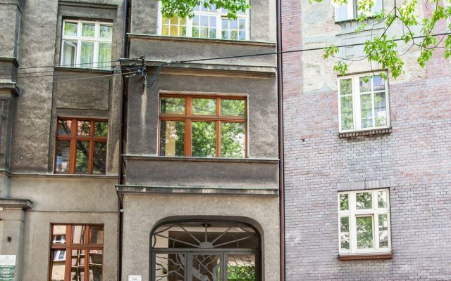 Отель EuroResidence Apartament Home вид на фасад