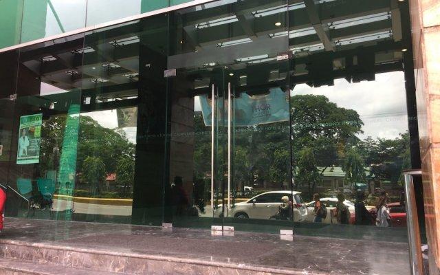 Crown Regency Hotel and Towers Cebu вид на фасад