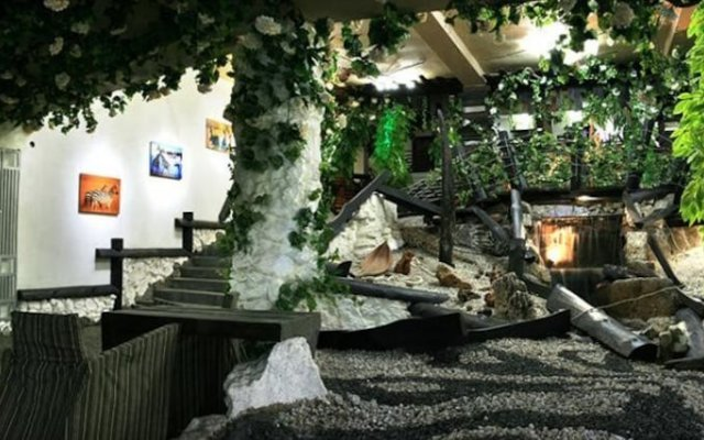 Гостиница Хижина СПА Украина, Трускавец - 1 отзыв об отеле, цены и фото номеров - забронировать гостиницу Хижина СПА онлайн вид на фасад