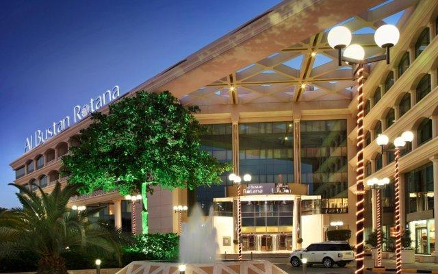 Отель Roda Al Bustan вид на фасад