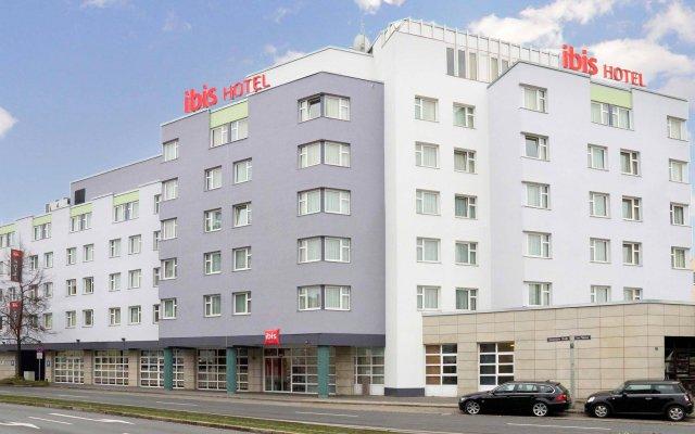Отель ibis Nuernberg City am Plaerrer вид на фасад