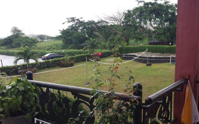 Отель AXARI Калабар балкон